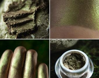 Eyeshadow: Mosses Grower - Mountain Thorp. Brown-green satin eyeshadow by SIGIL inspired.