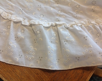Vintage Round Eyelet Tablecloth White and Ivory