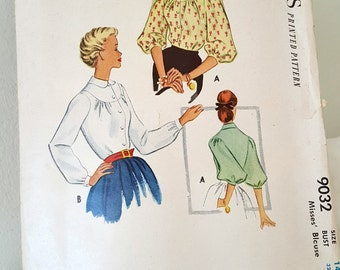 1952 Vintage Printed Sewing Pattern McCalls 9032 Cute 50s blouse pattern with peter pan collar - 3 sleeve options  size 14 32 Bust