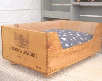 Recycled wooden box cat bed - Les Tourelles de Longueville - cat lover gift - wooden bed - pet bed-wine crates-French style-housewarming