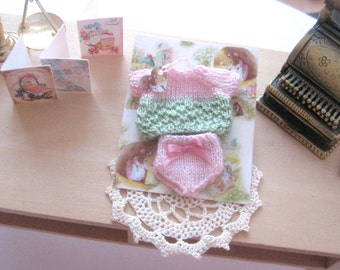 dollhouse  knitted clothes baby doll outfit 12th scale miniature