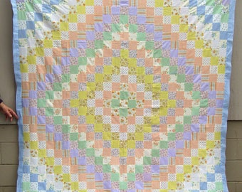CHARMING  Quilt Top     Pastel  Cotton   TRIP Around the WORLD ....1960's