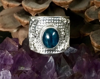 SALE!! Amazing, genuine blue apatite 925 sterling silver ring