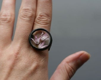 Midi Terrarium Ring, Pink Purple Flowers, Floral Herbarium Jewelry, Real Flower, Artisan Ring, One of a Kind
