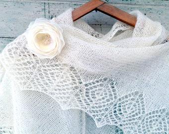Free Shipping Accessories Lace Triangular shawl, Silk shawl  mohair shawl Ivory,Knitted shawl White bridal natural shawl Ivory Wedding shawl