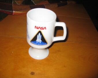tg White Milk Glass Pedastal  Historical Rare  1981 Nasa Space Shuttle Coffee Mug with RCA Close Circuit TV very Rare free ship