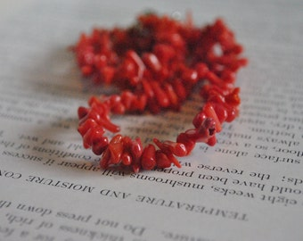 Vintage Red Coral Necklace - 1970s Beach Style