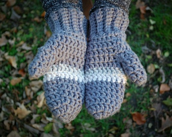 Womens Mittens - Classic Crochet Mittens - Soft Chunky Mittens - Handmade Mittens - Fashionable Mittens - Womens One Size Fits All