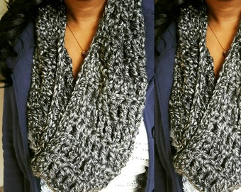 Infinity crochet scarf christmas gift long scarf Black white scarf fall style infinity scarf knitted infinity scarf chunky crochet scarf