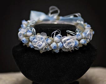 Childrens hair wreath, featuring beautiful baby blue roses! Perfect for weddings, Flower Girls, Photoshoots, Festivals and special occasions
