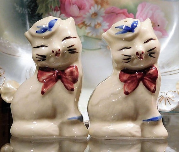 Shawnee Puss N Boots / Salt Pepper Shakers / Vintage Country Kitchen / Mid Century