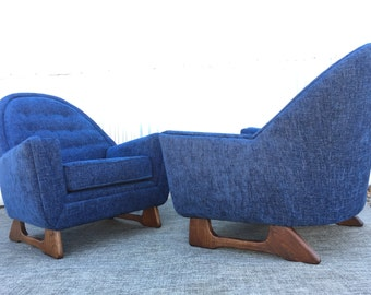 Pair Of Mid Century Modern Pearsall Style Mama Papa Arm Lounge Chairs Seating