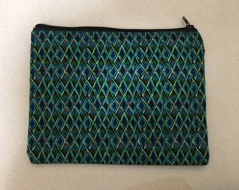 Blue and green daimonds zip bag.