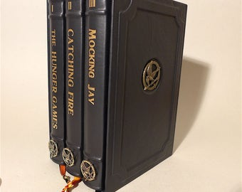 The Hunger Games 1-3 Suzanne Collins - Leather-Bound - Mocking Jay - Catching Fire - Unique
