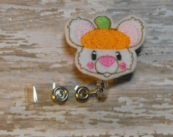 Cute Pumpkin Mouse felt badge reel, name badge holder, nurse badge, ID holder, badge reel, retractable badge clip, feltie badge reel