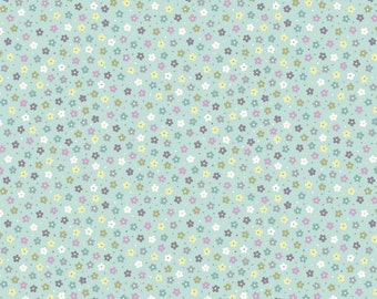 Lewis & Irene Salisbury Spring Patchwork Quilting Fabric A206.2 Little multi daisies on duck egg