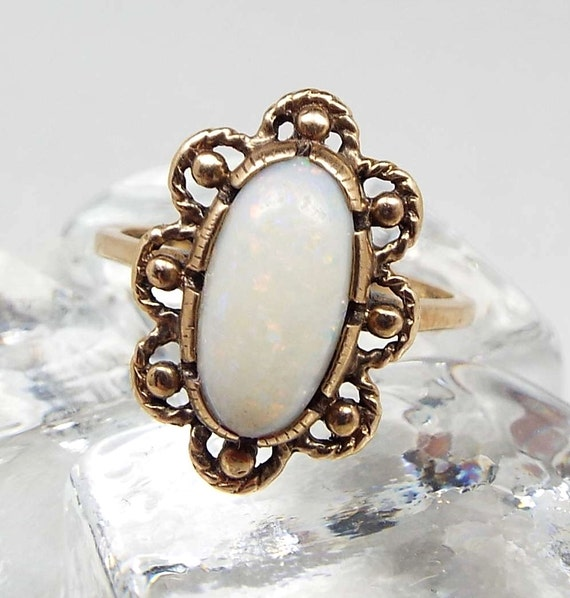 Vintage 9ct Yellow Gold 1970 Hallmarked Beautiful Opal Flower Ring / Size N 1/2