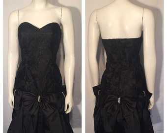 Vintage 9 10 Small S 80s Eighties Lace Black Bubble Skirt Strapless Dress with Rhinestone Bows Made in USA Prom Formal Socialite