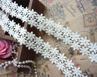 "1.5"" (4cm)  white daisy cotton venise lace trim - per 3 yard"
