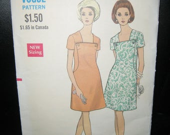 Vogue Dress Pattern #7570, Copyright 1960's Or 70's, Size 10, One Piece A Line Dress, Square Neckline,