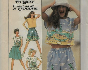 Simplicity  8605      Misses Top, Pull-on Shorts and Skirt         Size sm-med     Uncut