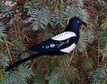 Wool Felt Magpie Ornament, Black-billed Magpie Ornament, Folk Art Magpie