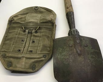 1945 US ARMY AMES Entrenching Tool Shovel with cover pouch for belt