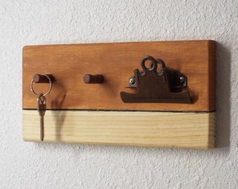 Wood key holder, brown painted wood peg board organizer with 2 pegs and clipboard, small key holder, brown painted and wood grain key holder