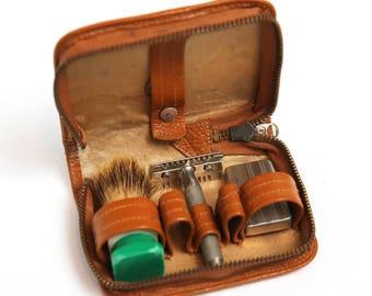 Vintage 1970's Brown Shaving Kit Bag Case, men's travel shaving kit, Military shaving kit, Toiletry case for men, brown case