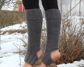 Knee Yoga Socks, Chunky Knit Legwarmers, Hand knit Yoga Socks, Yoga Spats, Toe - less Socks, Fitness, Flip Flop Socks, Pilates Socks