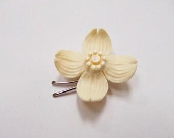 Vintage Sterling Silver Carved Dogwood Flower Pin Item W # 69