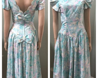 Alfred Angelo beautiful floral drop waist dress from the 80's / size small