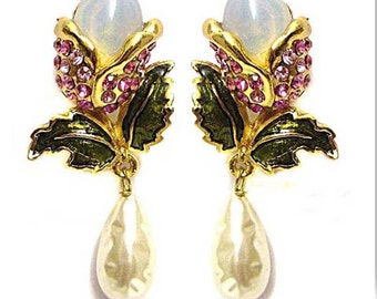 VALENTINO, chic and rare earrings dangling vintage