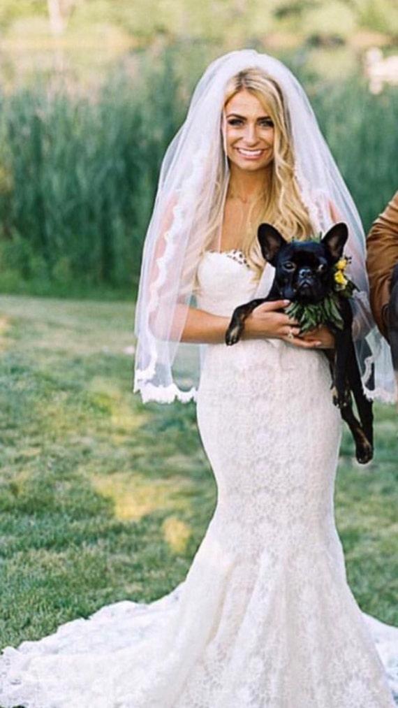 Lace Wedding Veil, Lace Bridal Veil, Scalloped Lace Veil, Alencon Lace, Soft Tulle Veil , Veil, Fingertip Veil, Wedding Veil - MARIN VEIL