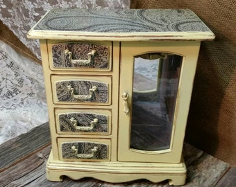Jewelry Box, Shabby Chic Box, Vintage Jewelry Box, Yellow, RobinsStudio, Rustic, Cottage Chic, Recycled, Country, Decoupage, Chic, Nursery