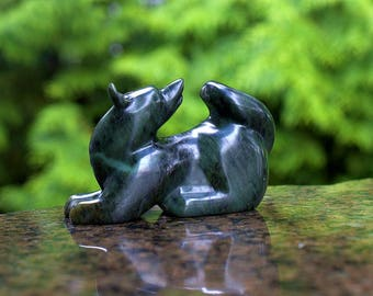 Hand carved green stone free standing Wolf figurine high polished Soapstone sculpture