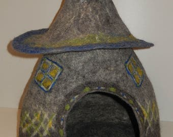 Felted Wool Cat Cave, House, Bed. Made in SCOTLAND, Edinburgh