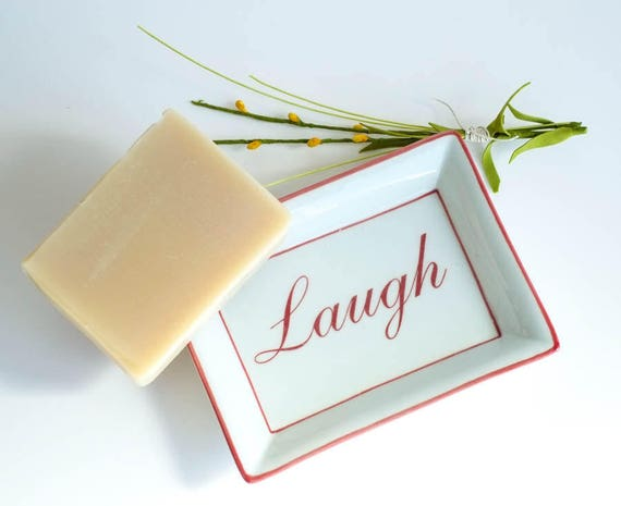 "WHAT'S TRENDING 5oz Soap Bar in ""Laugh"" Dish 