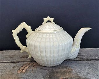 Vintage Belleek Limpet Tea Pot 4th Period Mark 1st Green Mark Seashell Pattern Circa 1946-1955 Irish Porcelain Tea Pot and Lid