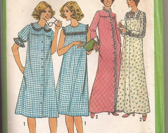 Simplicity 8198 Misses robe and nightgown pattern, Size 12,  Vintage 1977