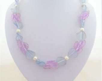 Avon Pastel Blossoms Frosted Lucite Flower and Leaf Necklace Pale Blue and Lilac with Faux Pearls