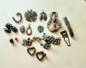 Lot of Broken Victorian  Jewelry Late 1800's Early 1900's Repair Crafts