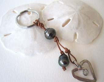 Tahitian Pearl and Leather Keychain, Sterling Silver and Pearl Keychain, Black Pearl and Leather, Leather and Pearls, Sterling Silver Heart