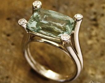 White gold ring with green beryl and diamonds