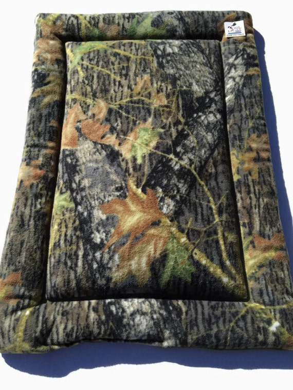 Mossy Oak Dog Bed, Dog Crate Pads, Large Kenny Mat, Hunting Dog Bed, Camo Fabric, Fleece Pet Bed, Puppy Mat, Kennel Bed, Hunting Decor