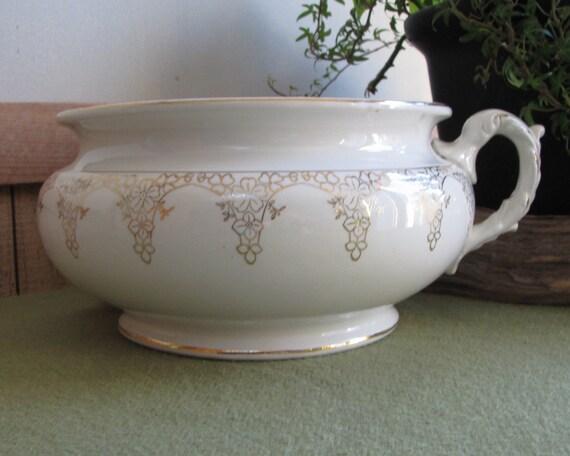 Chamber pot white and gold porcelain lotus ware antique - Pot de chambre antique ...
