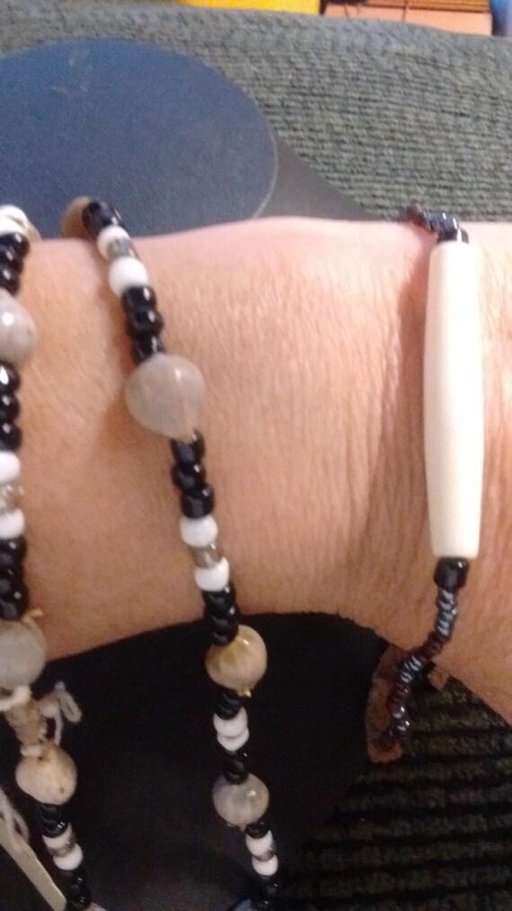 "Handmade 9 1/2"" Native American pony beads & seed shells necklace and bone bracelet"