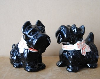 Scottie Dog Salt and Pepper Shakers 1950's Funky Kitchen Decor