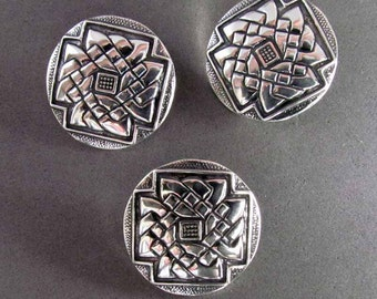 Sterling Silver Celtic Book of Durrow Knotwork Button - B4149