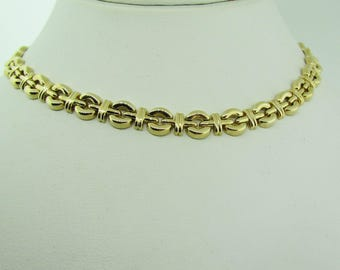 Made in Italy. 14 karat gold Classic 1970's choker.